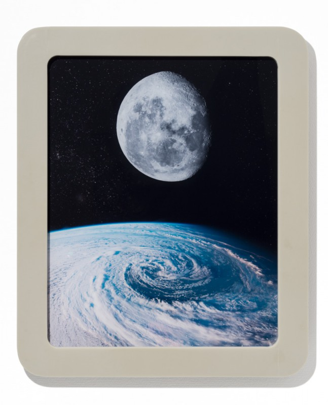 Der Mond, 2015, C-print silicone mounted on plexi, 58 x 48 cm, edition of 5