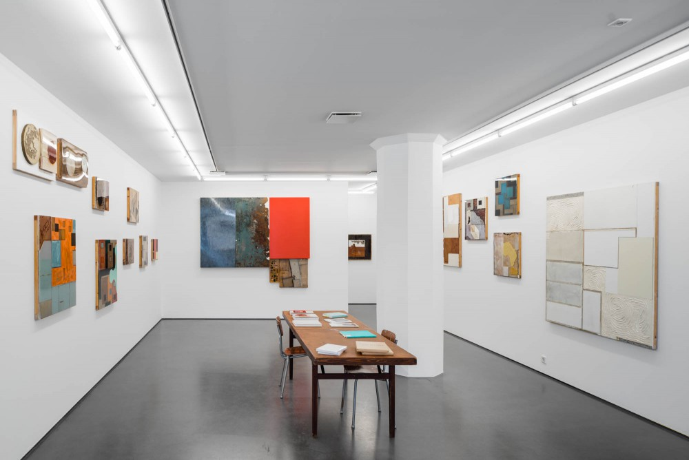 Q&A, Installation view