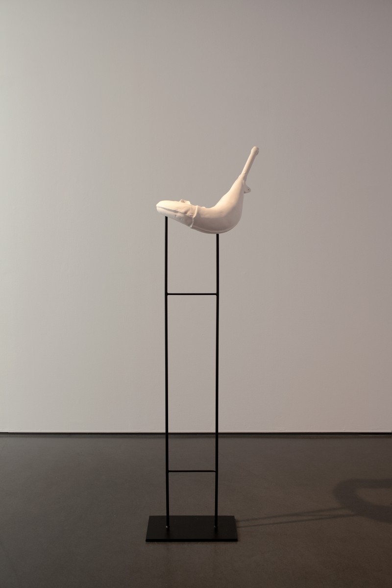 Katja Larsson, Wind in Bodies is Called Breath, 2016, Jesmonite, powder coated steel (podium), 52 x 35 x 173 cm with podium